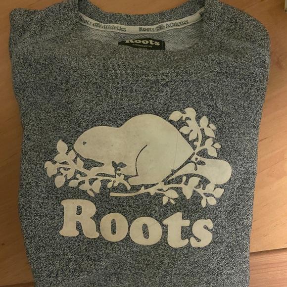 Roots crew neck sweater